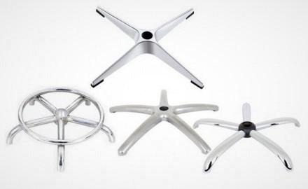 Металлические крестовины для кресел и стульев.